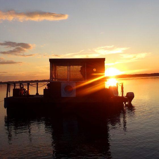 Flussfloss_Sonnenuntergang_niedrig